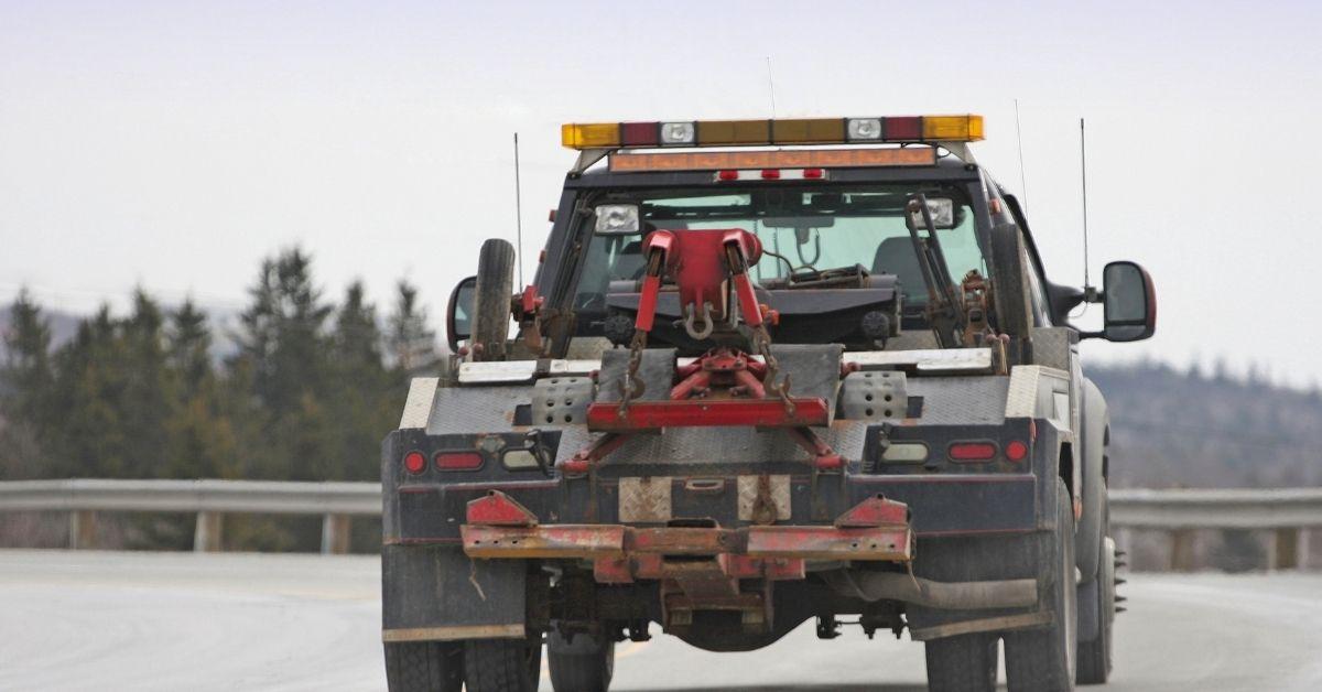 Tow Truck Driver Demands BJ
